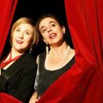 Duo Dekolleté - mit rotem Vorhang