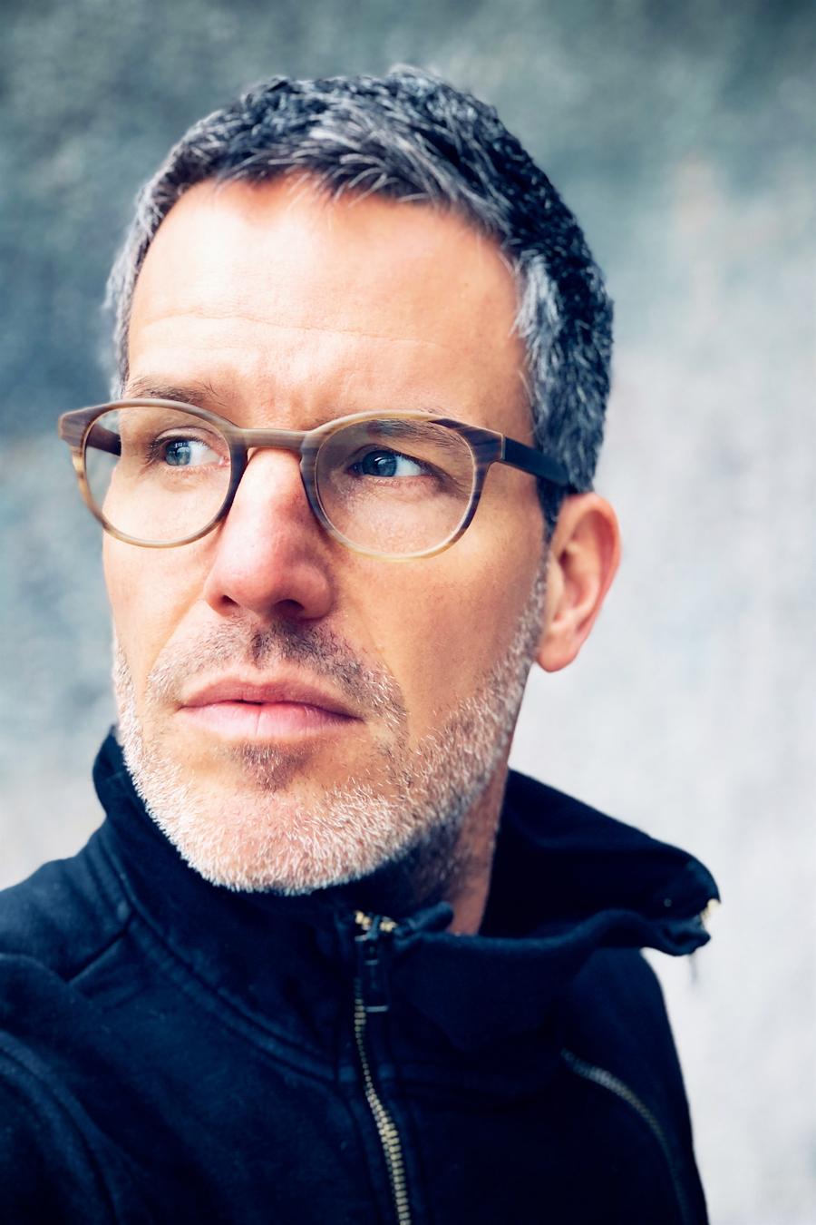 Tim Bergmann liest Nele Neuhaus