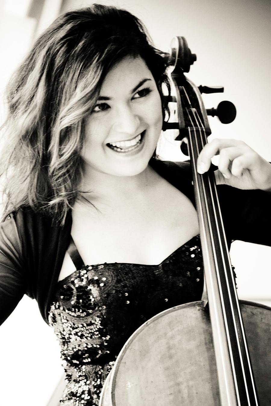 KLASSIK-REZITAL mit Cellistin Simone Drescher