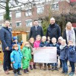 Evangelische Kita Volksdorf: Sparkasse Holstein überreicht großzügige Spende
