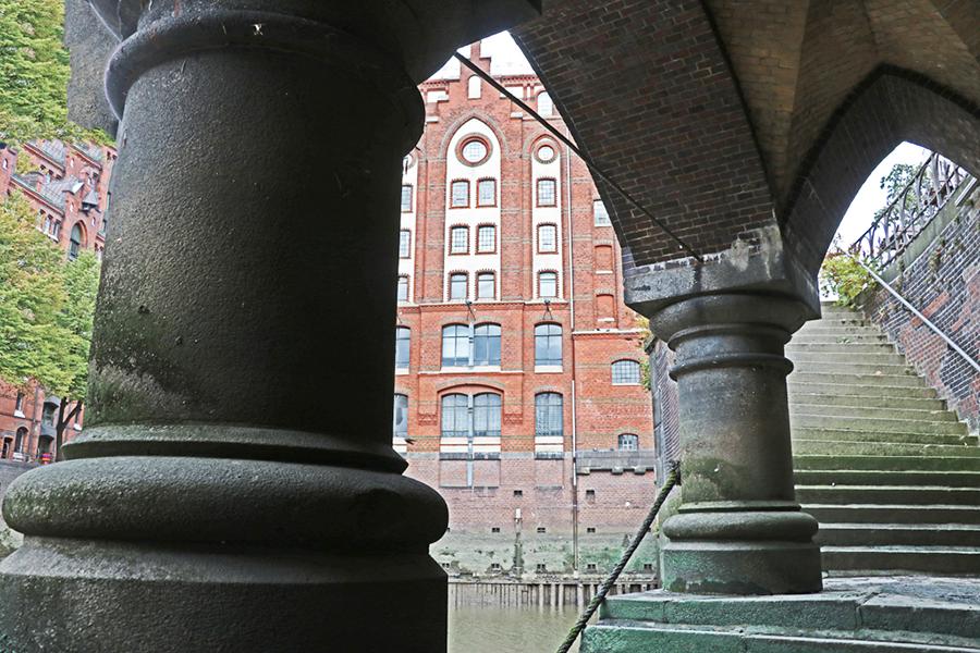 """Kunstausstellung """"Hamburg von unten"""""""